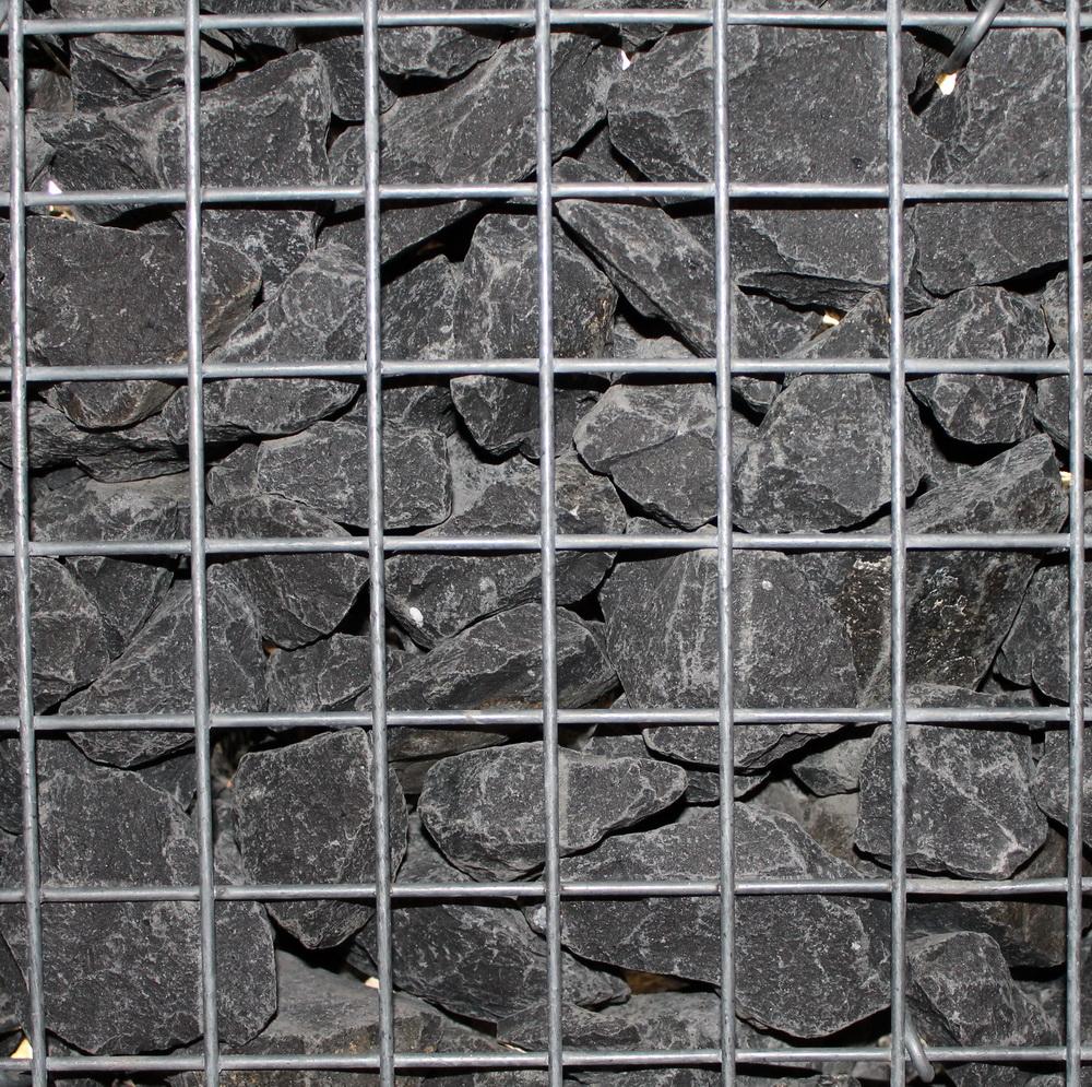 Basalt 56-75mm in Gabionen