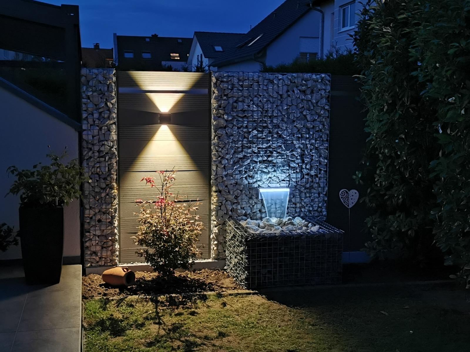 LED Wandlampe- Sus Square, Gabionen mit WPC
